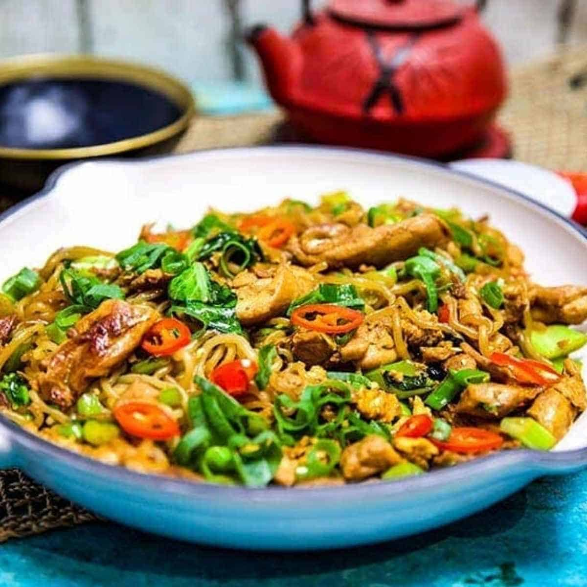 Chicken pad see ew - Shirataki: The True Keto Approved Asian Noodle
