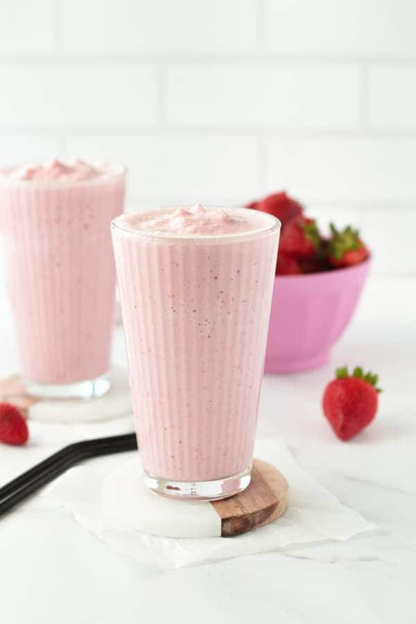 strawberry keto smoothie